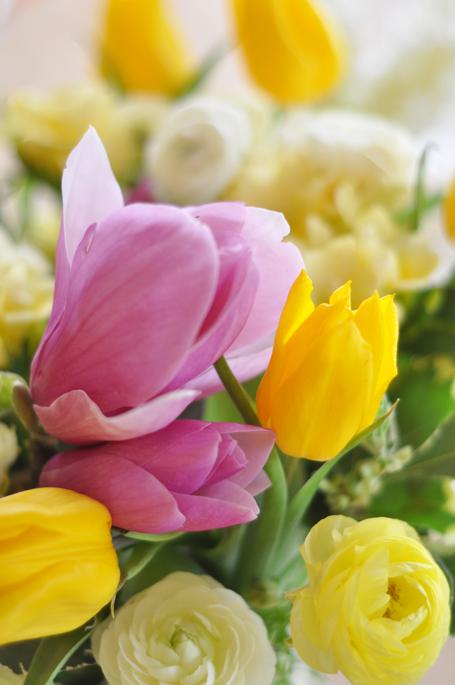 Flowersontable2