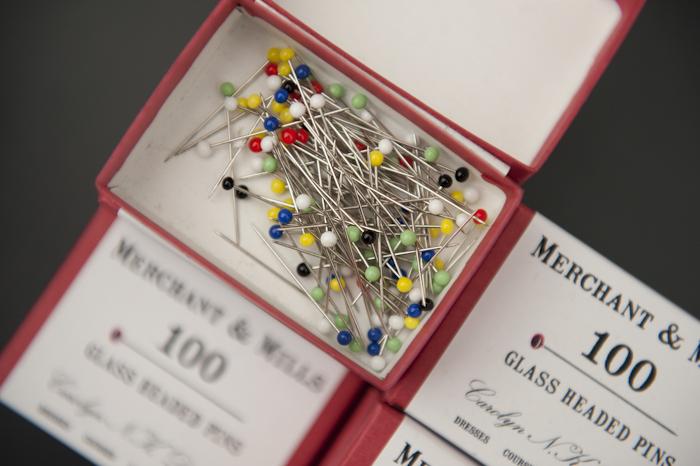 Glassheaded pins-2