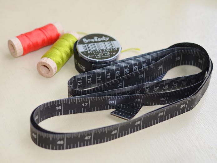 Tape measure main